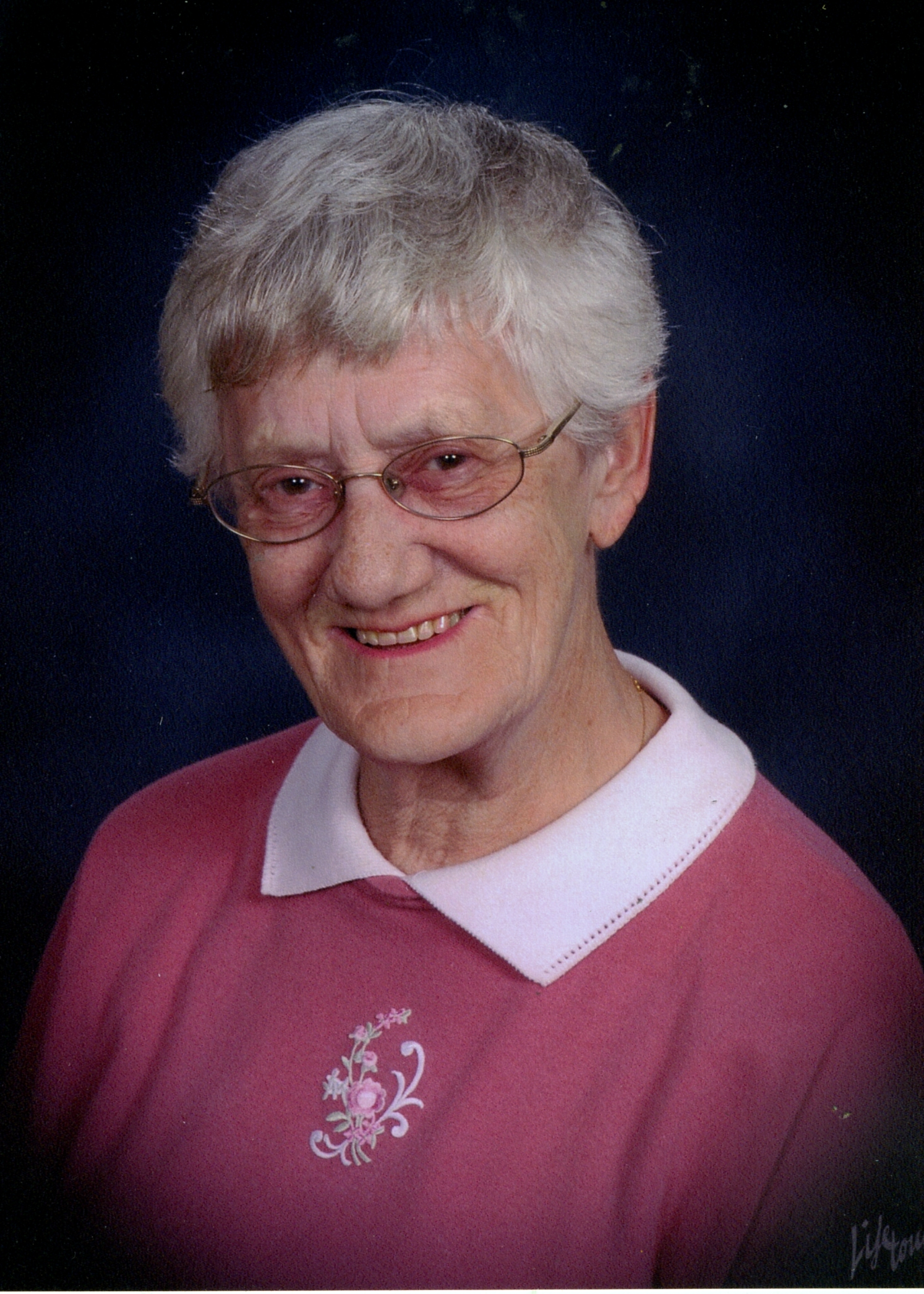 "In Loving Memory of Margaret Gertrude ""Peggy"" Evans"